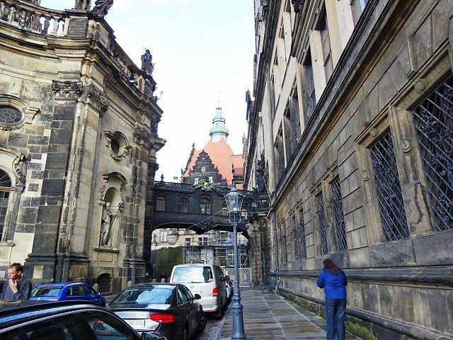 「ドイツ:建物と建物をつなぐ渡り廊下(橋)のいろいろ」の画像一覧