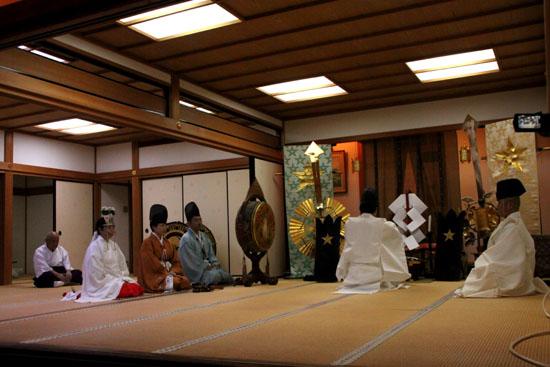 晴明神社 宵宮で湯立て神事_e0048413_18313023.jpg