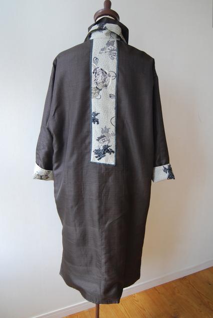 着物リメイク・男物大島で作ったロングコート_d0127925_0301670.jpg