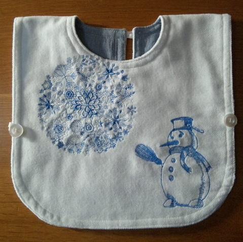 クリスマス刺繍のタオルエプロンを作りました♪_c0316026_16311978.jpg