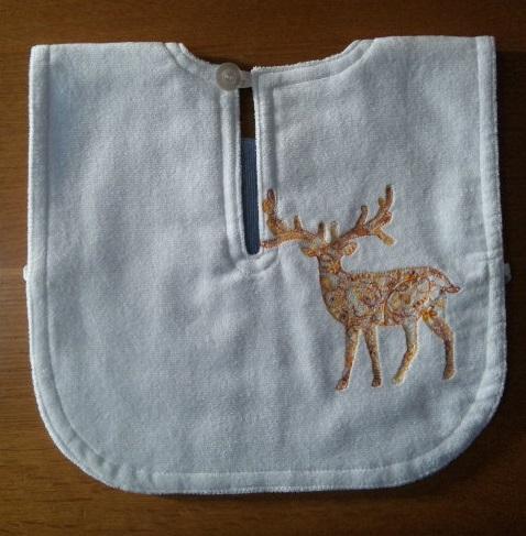 クリスマス刺繍のタオルエプロンを作りました♪_c0316026_16313092.jpg