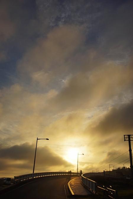 まだ夏の夕陽_d0116804_10002356.jpg