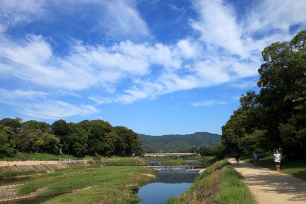 秋の空 鴨川_e0048413_21062177.jpg