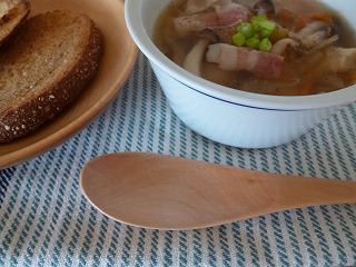 Autumn  スープの美味しい季節に♪_a0165160_06540743.jpg