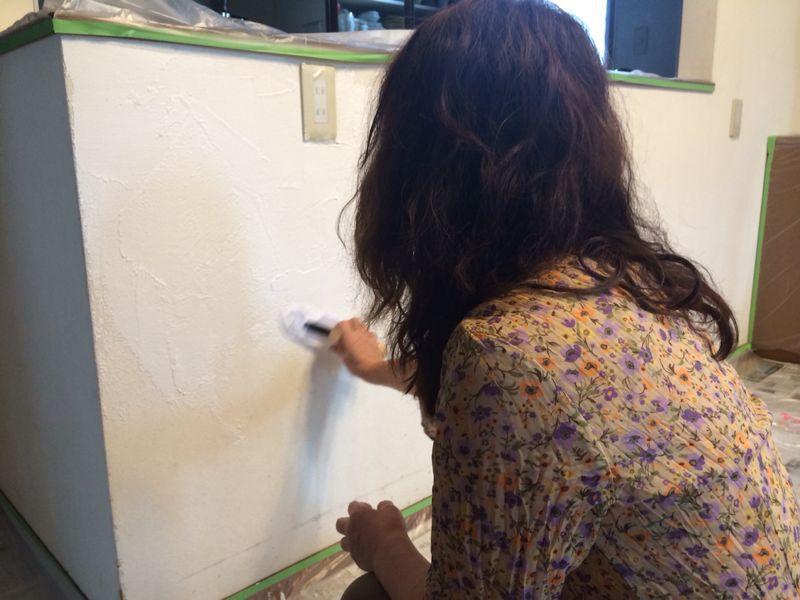ダイニングの壁塗り_e0233674_18305810.jpg