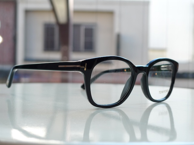 TOM FORD EYEWEAR FT5208 083:SORRY,SOLD OUT!_f0111683_16102620.jpg