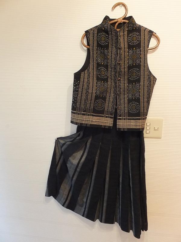 インドの植物染めと手織りから作る秋の服_c0136088_18251884.jpg