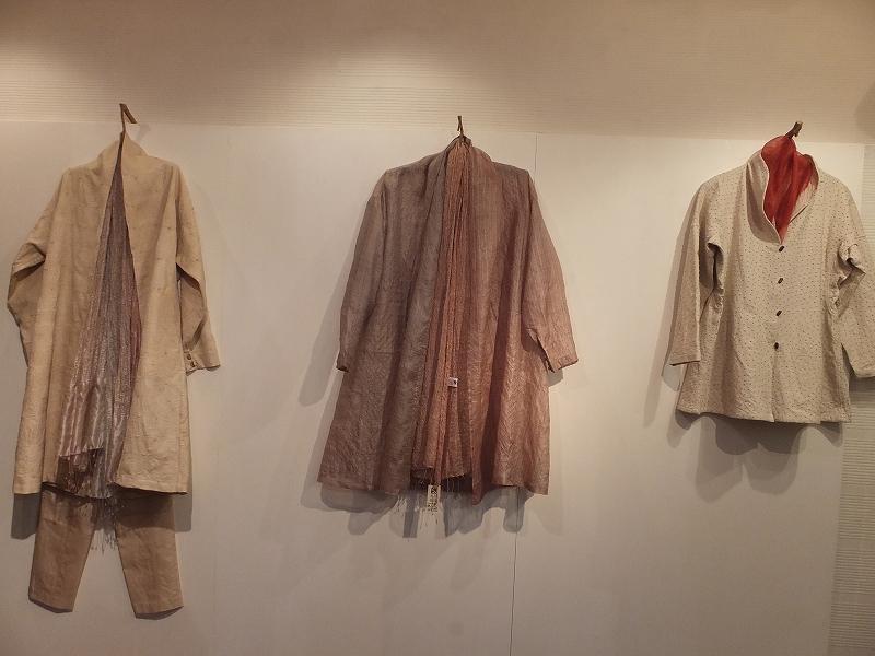 インドの植物染めと手織りから作る秋の服_c0136088_18252456.jpg