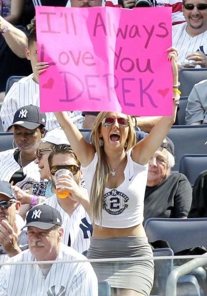 今期限りで引退するヤンキースのジーター選手、本拠地最後の試合で漫画でもやり過ぎなサヨナラ・ヒット!!!_b0007805_20271878.jpg
