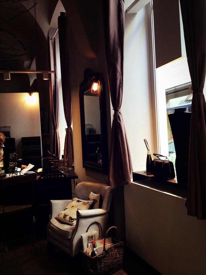 Daniela de Marchi\'s Atelier/Showroom_b0115615_15242123.jpg
