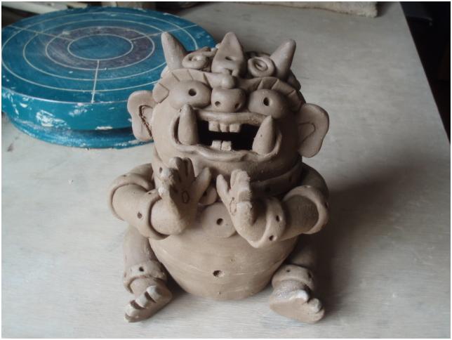 陶 芸 作 品 ( 呑鬼な香炉・・・40鬼目成形修了 )_b0104092_17203410.jpg