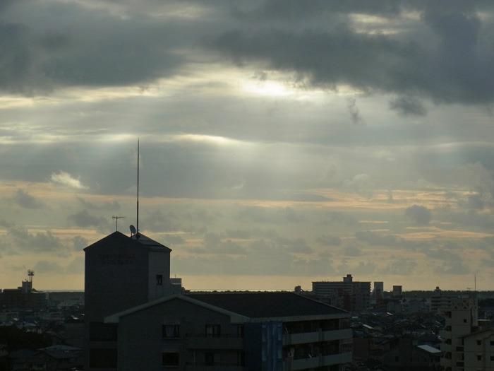 やっぱり曇り空 (*^_^*)_c0049299_22231320.jpg
