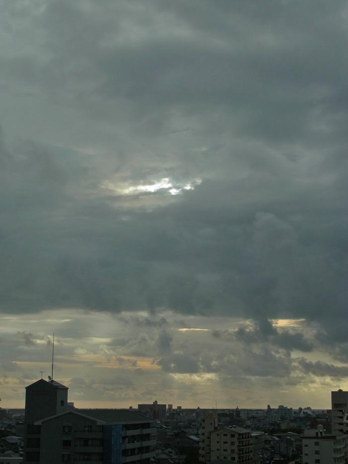 やっぱり曇り空 (*^_^*)_c0049299_22345566.jpg