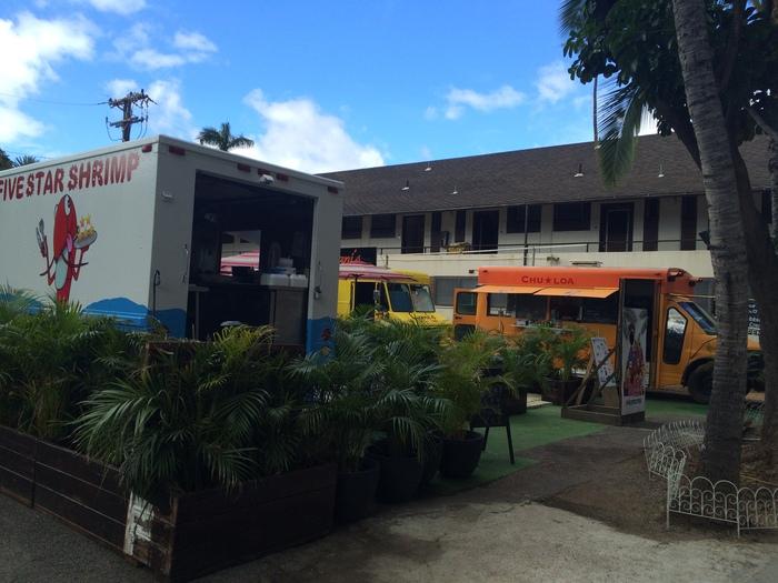 2014 9月 ハワイ (3)  高橋果実店の隣に屋台村 Pau Hana Market_f0062122_14405297.jpg