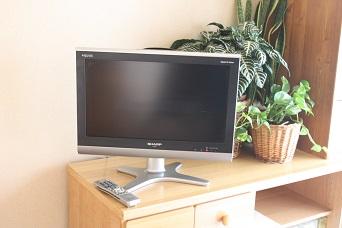 テレビを設置_b0320131_08145089.jpg