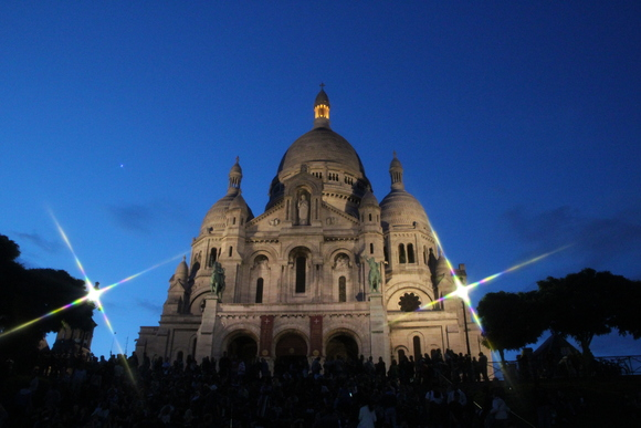 SKY140929 パリになくてはならない存在になっているモンマルトル寺院_d0288367_15503213.jpg