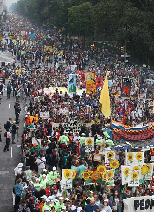 NYで史上最大の環境・気候デモ「ピープルズ・クライメイト・マーチ」People\'s Climate March_b0007805_1313249.jpg