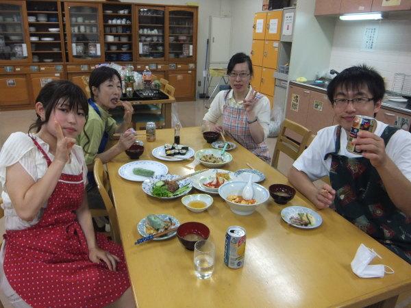 水曜のよるの教室の仲間で、料理を作りました。_e0175020_22421732.jpg