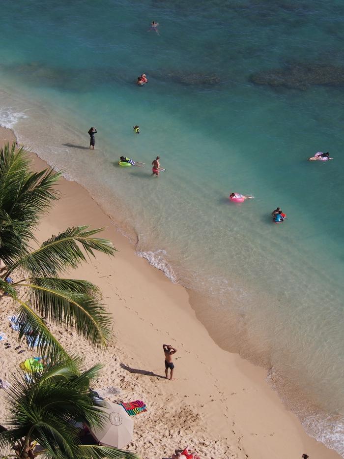 2014 9月 ハワイ (6)  みえた ブルーエンジェルスと 巨大なマイタイ_f0062122_1843020.jpg