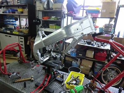 NSR250 車体整備!_e0114857_20292059.jpg