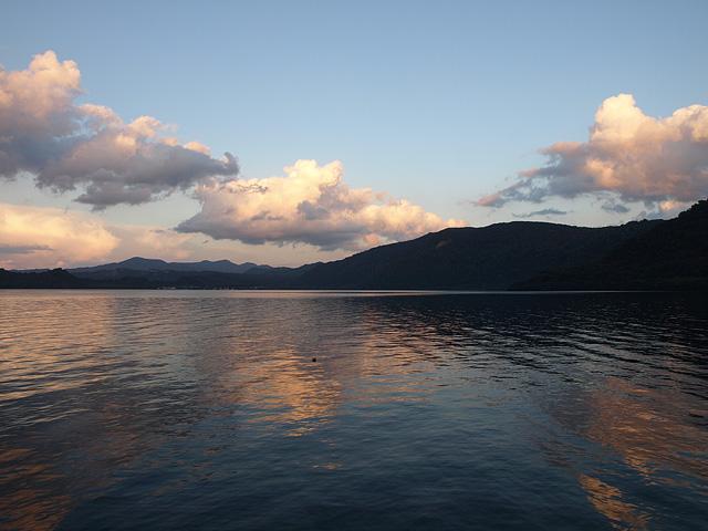 十和田湖 (9/22)_b0006870_11454859.jpg