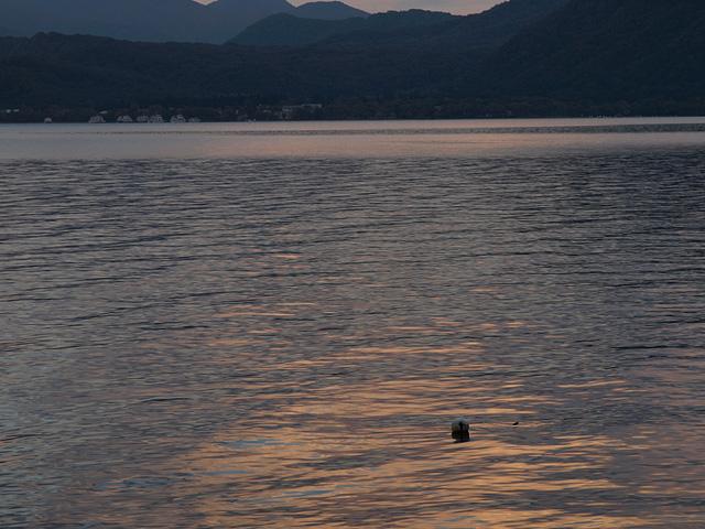十和田湖 (9/22)_b0006870_11461754.jpg