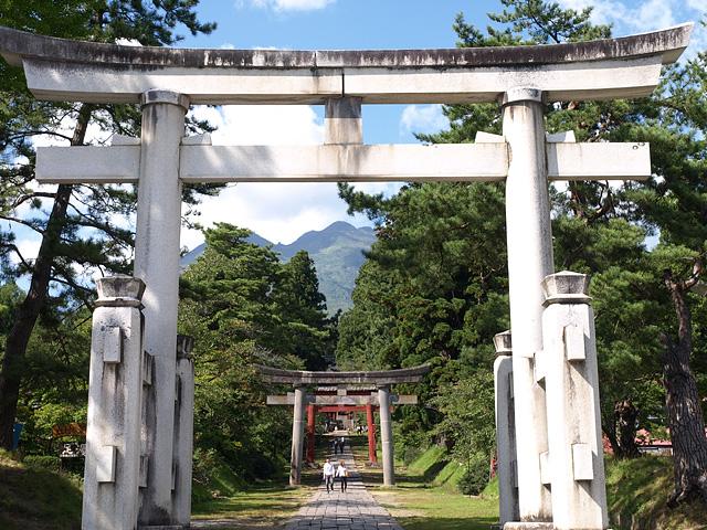 岩木山神社 (9/22)_b0006870_2391432.jpg