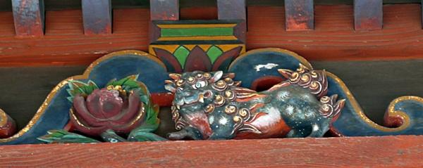 ご近所巡礼3番 龍泉寺の観音堂 かわいらしい天人像_b0018682_22525619.jpg