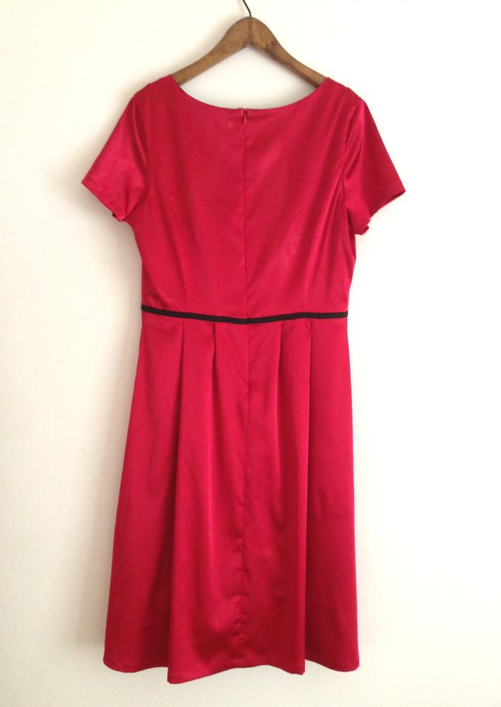 半袖の赤いドレスワンピース (フルオーダー)_b0199696_17311298.jpg