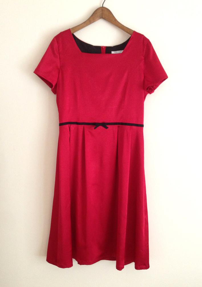 半袖の赤いドレスワンピース (フルオーダー)_b0199696_1731557.jpg