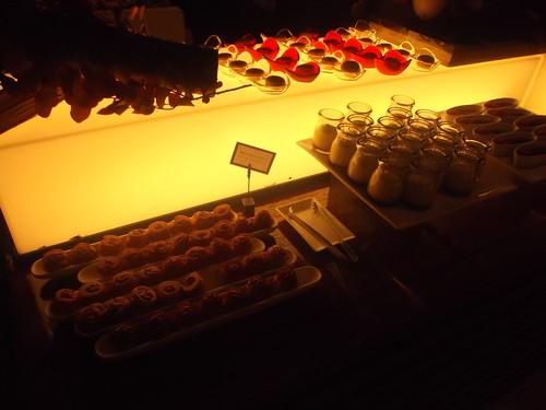 ヒルトン東京 マーブルラウンジ 秋のデザートフェア「スイーツの森の誘惑」_f0076001_22433762.jpg