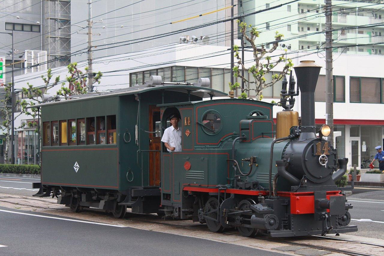 伊予鉄(市内線)5~坊っちゃん列車~_e0283532_694688.jpg