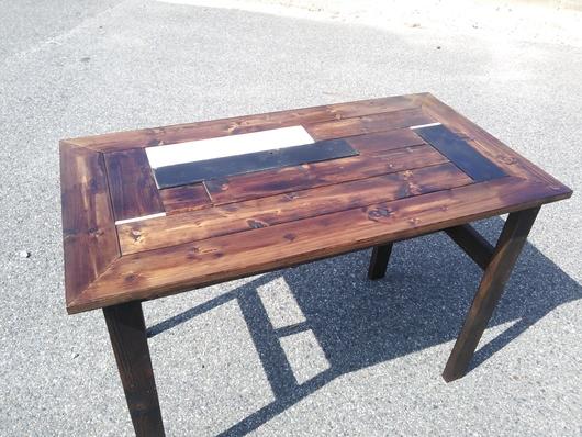 本日の作品。テーブル。_d0191640_11263427.jpg