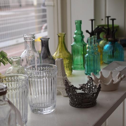 イングリッシュローズとガラス瓶_a0292194_15322725.jpg