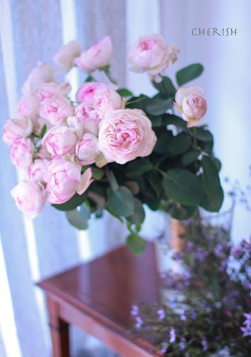 笑顔をもたらす香りのブーケ_b0208604_08572526.jpg