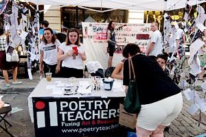 NYの詩の先生たちによるPoetry Teachers NYCのテント_b0007805_961781.jpg