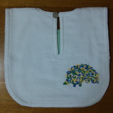 大好きなグリーンの段染め糸でハート刺繍しました♪_c0316026_17315796.jpg