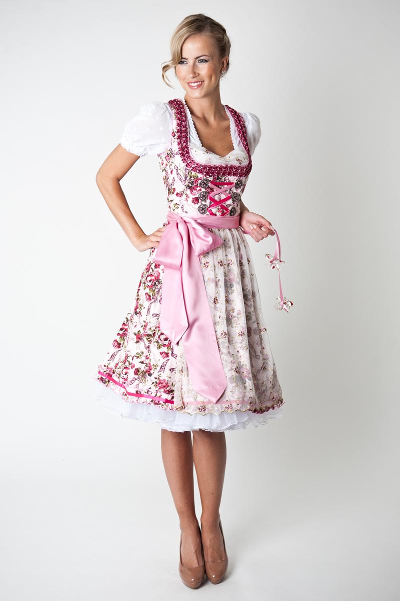 Traditional Bavarian Clothes_e0169998_1711810.jpg
