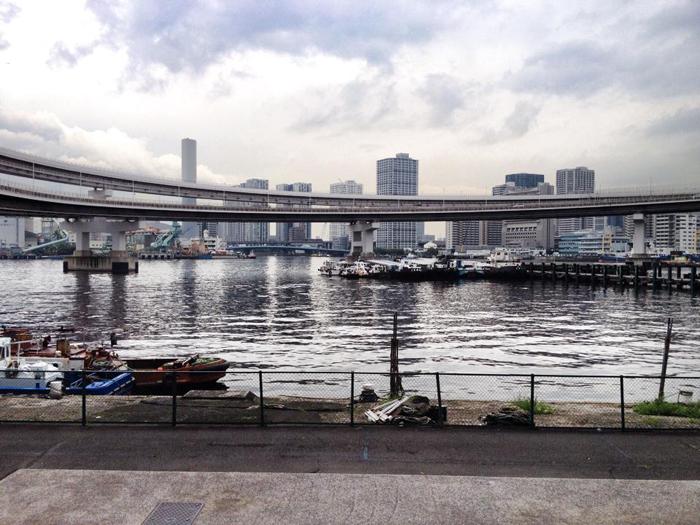 港区海岸(ループ橋)/ iPhone 4s_c0334533_14281359.jpg