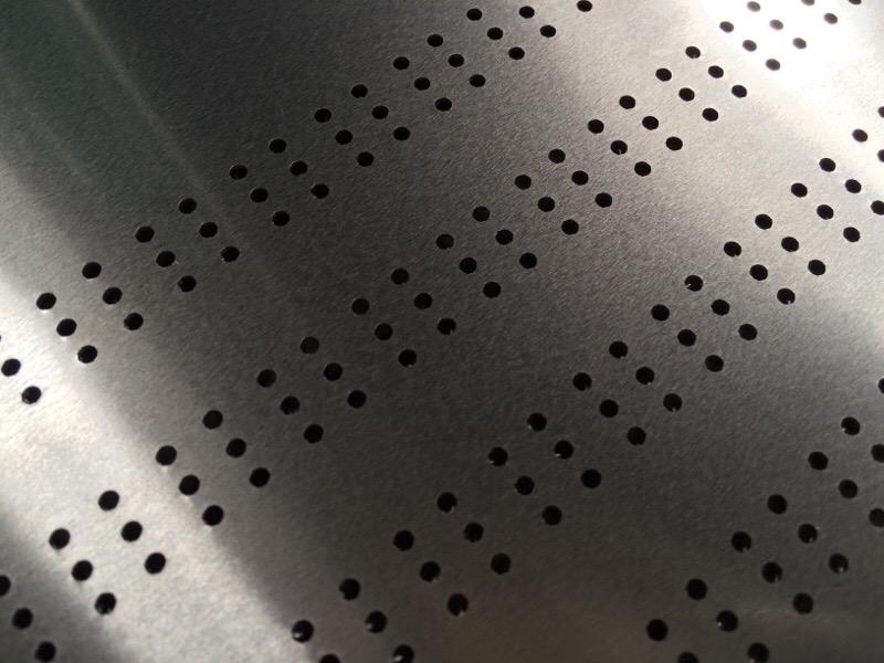 薄板アルミの小穴加工_d0085634_17290647.jpg