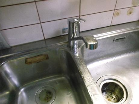 キッチン混合栓取替え工事_e0184941_1537024.jpg