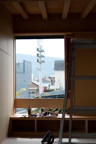 141001 窓辺をつくる_b0129659_11411545.jpg