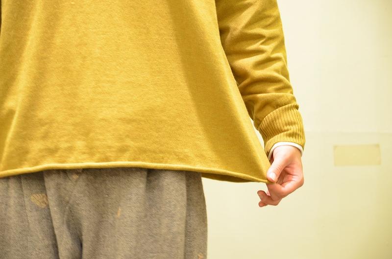 何を着たらいいのが迷ってしまうこの季節。スタッフオススメのtumuguのランダムリブニットP/Oをご紹介です☆_a0256162_19502471.jpg