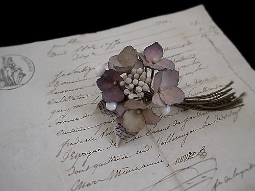 秋色紫陽花と蝋の蕾のブーケ_f0134670_2415029.jpg