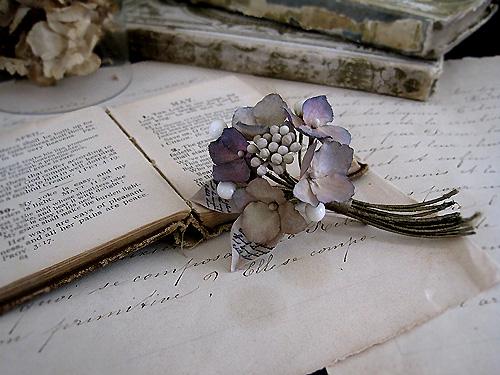 秋色紫陽花と蝋の蕾のブーケ_f0134670_2421692.jpg