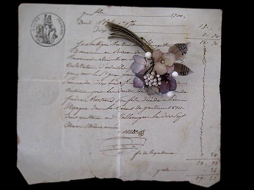 秋色紫陽花と蝋の蕾のブーケ_f0134670_2422246.jpg