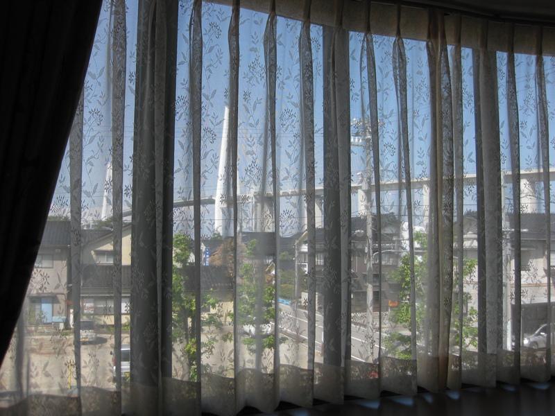 カーテンを替えて、お部屋も気分も一新_d0224984_1514136.jpg