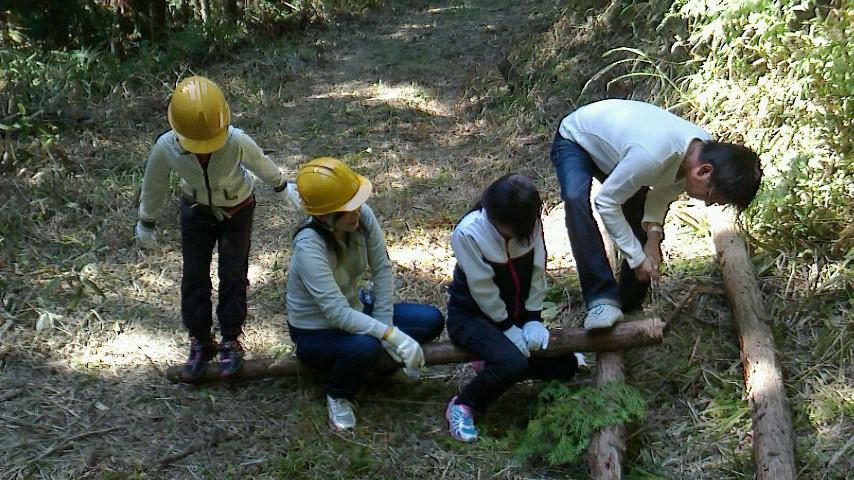 森林伐採体験&根羽杉の家見学バスツアー開催しました_c0335713_11555860.jpg