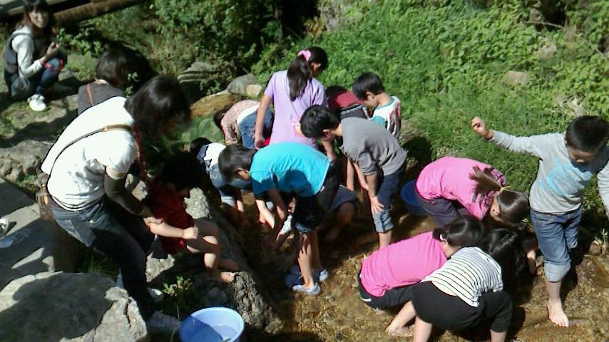 森林伐採体験&根羽杉の家見学バスツアー開催しました_c0335713_11561461.jpg