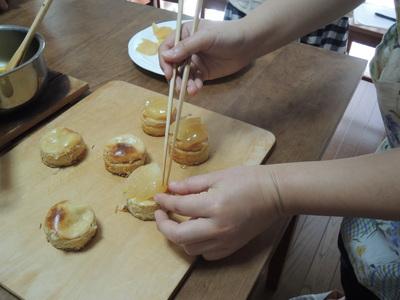 美味しいりんごの季節にぴったりのスイーツ_b0252363_0431383.jpg
